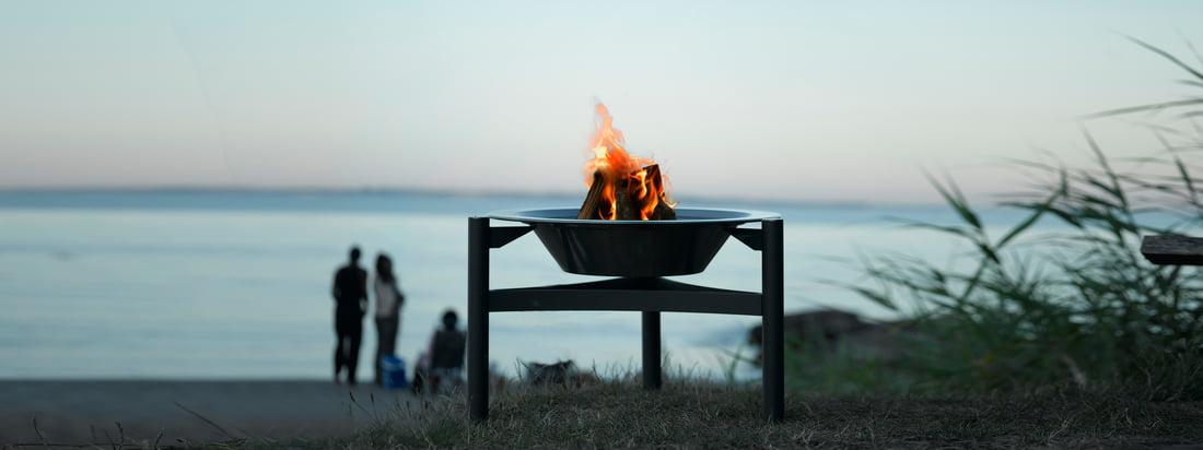Der dänische Hersteller Dancook steht für skandinavisches Design mit hoher Qualität. Der 9000 Grill ist perfekt als Feuerstelle in der Natur geeignet.