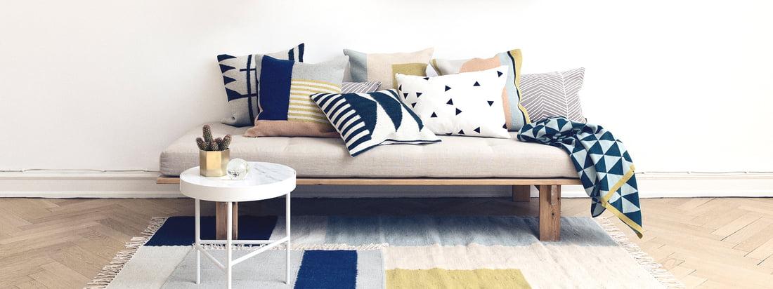 Herringbone Kissen von ferm Living auf Sofa - Wohnzimmer - Teppich