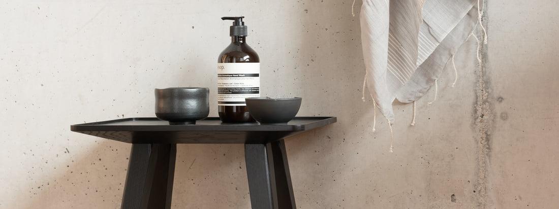Schönbuch - Nini Hocker & Beistelltisch -Ambiente -schwarz - beton Wand