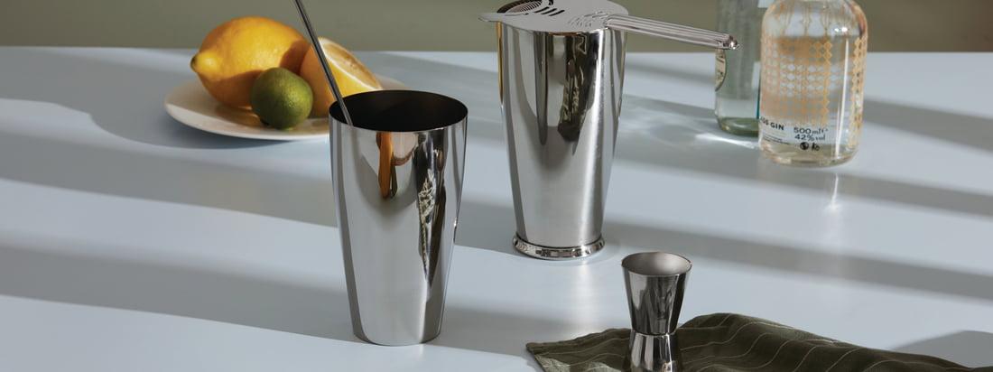 In der Mixology-Kollektion von Alessi trifft Design auf die Kunst der Cocktailzubereitung. Eine Mischung, die in jedem den Barkeeper hervorruft und Lust auf frisch gemixte Drinks und Cocktails macht.