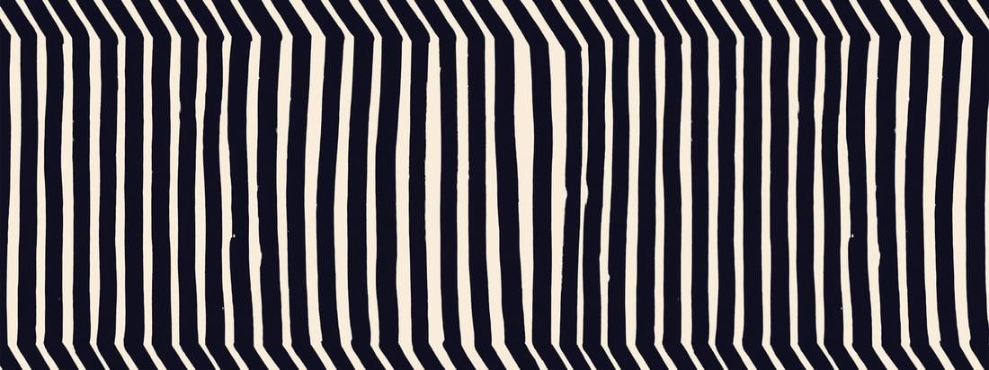Das Kalasääski-Motiv von Marimekko zeichnet sich durch ästhetische, unproportionale Linien aus, die das Wunder der Natur widergeben. In einer besonderen Anordnung, erinnern sie an den Fischadler, nach dem das Motiv benannt wurde.
