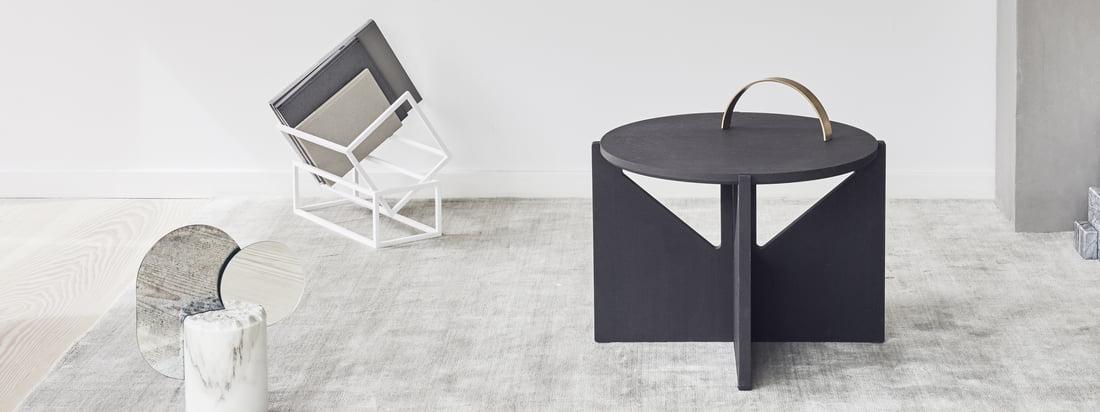Ob für die Nachttischleuchte, die Coffetable-Bücher oder als Ablage für die Fernbedienung, der Tisch lässt sich vielseitig einsetzen und passt sich mit seiner modernen Form jeder Umgebung an.