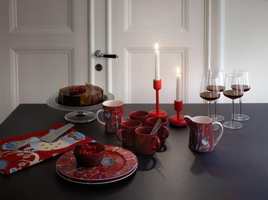 Für eine gemütliche Teezeit hält iittala genau die richtigen Designstücke bereit. Neben formvollendeten Tassen und Gläsern lassen sich auch schöne Besteck Sets und Kerzenständer entdecken.