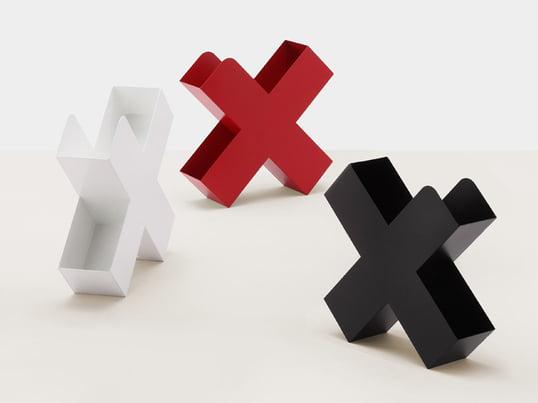 Der Mox Bukan Zeitschriftenhalter ist ein stilvoller Zeitungsständer in x-Form. Charles O. Job hat ihn so entworfen, dass der Bukan mehr verstaut als man vermuten mag.
