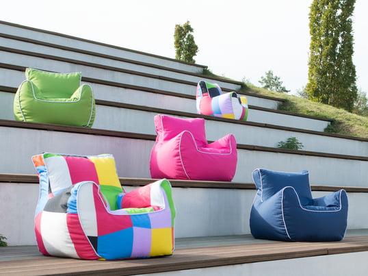 Der Soft-Sessel von Sitting Bull bietet Halt für den Rücken und sorgt in jedem Kinderzimmer für neue Farbakzente. Durch seine verstärkten Nähte ist der Bamp-Sessel optimal geeignet für Kinder.