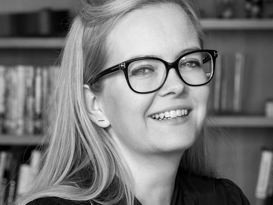 Homestory: So wohnt Knot-Kissen Designerin Ragnheiður - Portrait