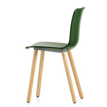 Hal Wood Stuhl von Vitra aus heller Eiche und mit grüner Sitzschale