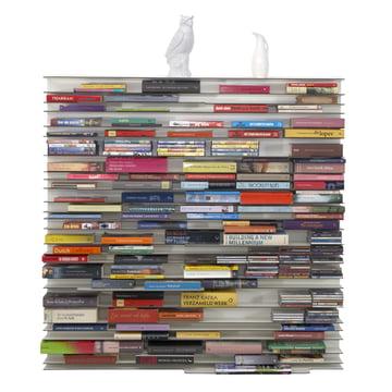 Die bunten Buchrücken sind Dekoration genug: