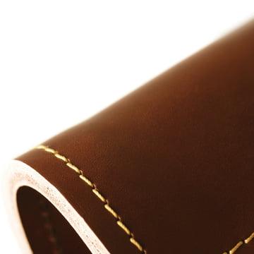 Formagenda - Cohiba Pendelleuchte, braun - Detail, Naht