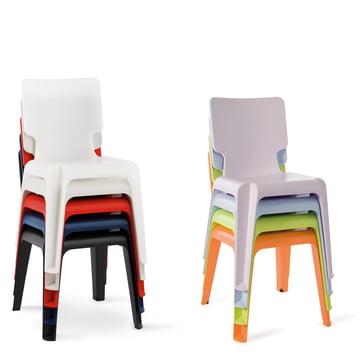 Authentics - Stuhl Wait, gestapelt