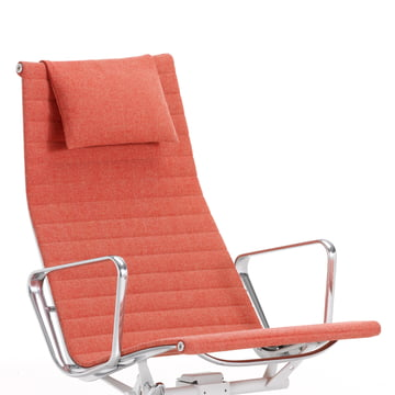 Aluminium Chair EA 124 von Vitra in Hopsak rot / champagner