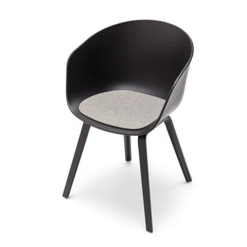 Hey Sign - Hellmelierte Filz-Auflage für About A Chair, seitlich und mit Stuhl