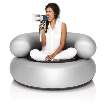 Fatboy - Inflatable Ch-air, silber - mit Person