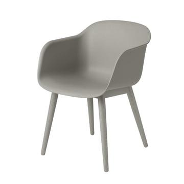 Fiber Chair - Wood Base von Muuto in grau / grau