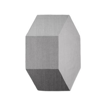 Der Willenz Volume Teppich in klein in stone von Menu