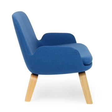 Era Sofa von Normann Copenhagen aus Eiche in Fame Hybrid Blau