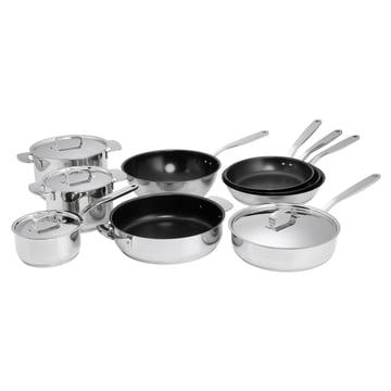 Fiskars - All Steel Produktfamilie mit Töpfen, Pfannen und Wok
