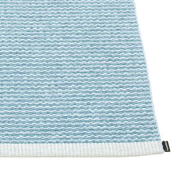 Mono Teppich von Pappelina in Misty Blue / Ice Blue