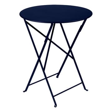 Der Fermob - Bistro Klapptisch Ø 60 cm in abysseblau