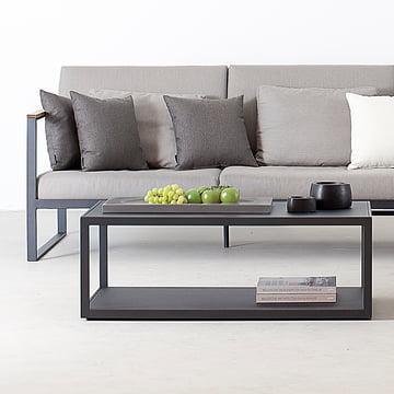 Garden Easy Tisch und Sofa von Röshults