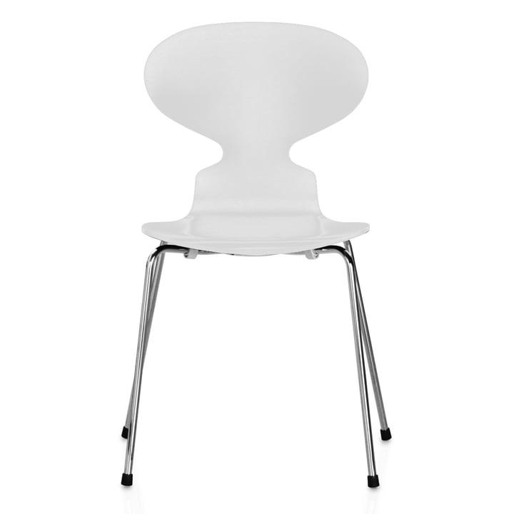 Die Ameise Stuhl (4 Beine / 46,5 cm) von Fritz Hansen in Esche weiß gefärbt / verchromt