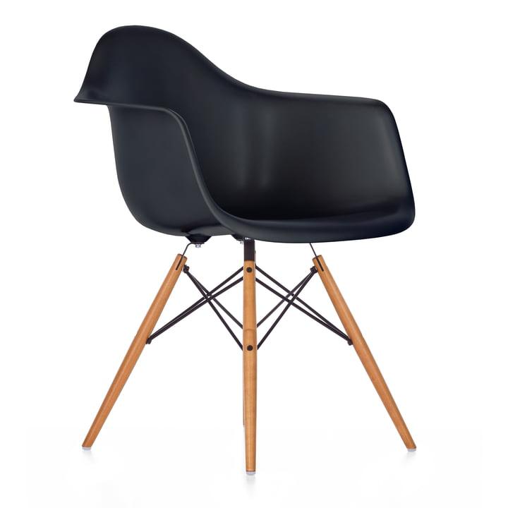 Vitra - Eames Plastic Armchair DAW, Ahorn gelblich / basic dark, Filzgleiter