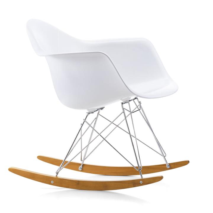 Eames Plastic Armchair RAR von Vitra in Ahorn gelblich / Chrom / weiß