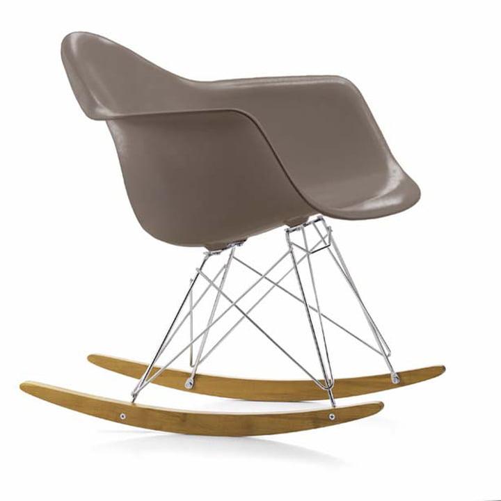Eames Plastic Armchair RAR von Vitra in Ahorn gelblich / Chrom / mauve grau