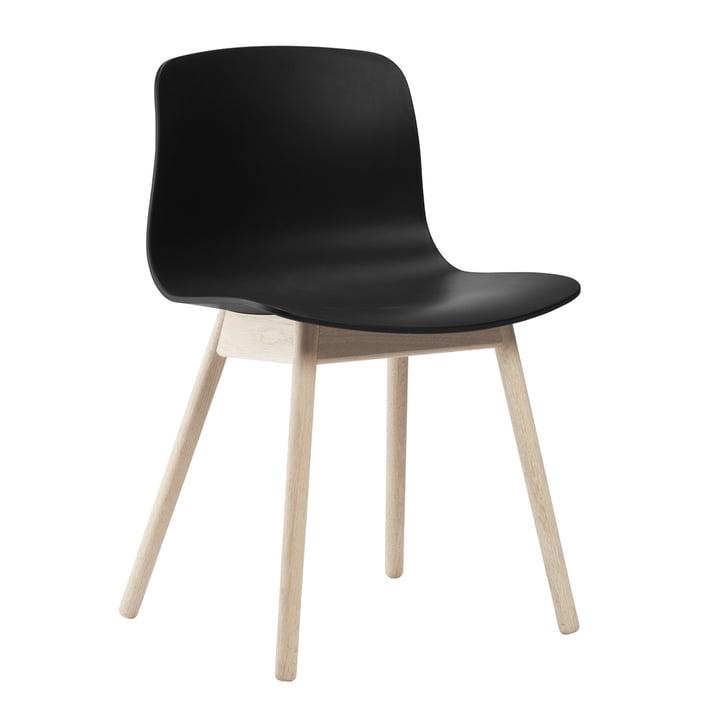 About A Chair AAC 12 von Hay in Eiche geseift / Schwarz