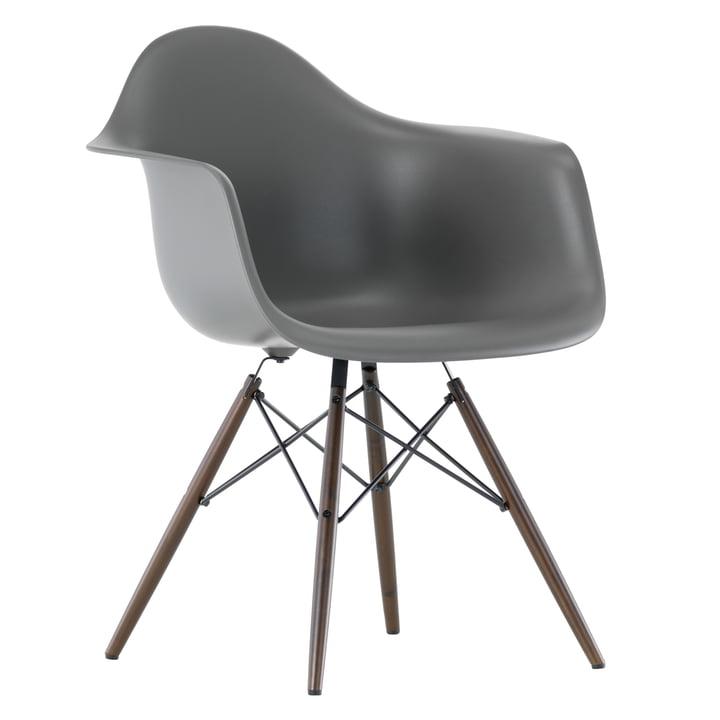 Vitra - Eames Plastic Armchair DAW, basalt, Ahorn dunkel