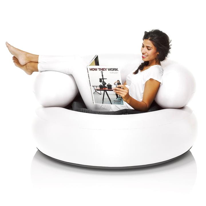 Fatboy - Inflatable Ch-air, weiß - mit Person