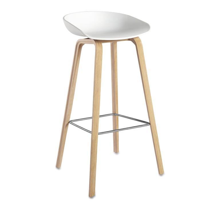 About A Stool AAS 32 H85 von Hay Gestell Eiche (geseift) / Sitzschale Weiß, Kunststoffgleiter