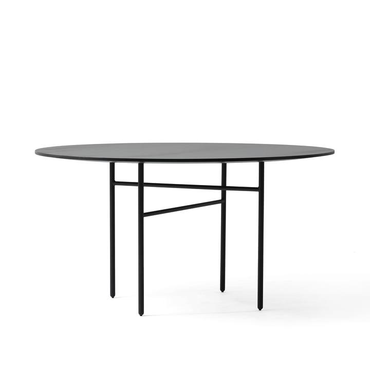 Snaregade Tisch Ø 140 cm von Menu in Schwarz furniert