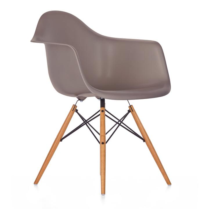 Vitra - Eames Plastic Armchair DAW, Ahorn gelblich / mauve grau, Filzgleiter weiß