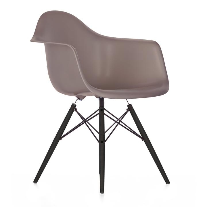 Vitra - Eames Plastic Armchair DAW), Ahorn schwarz / mauve grau, Filzgleiter schwarz