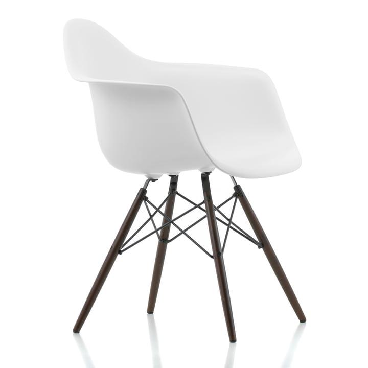 Vitra - Eames Plastic Armchair DAW, Ahorn dunkel / weiß, Filzgleiter schwarz