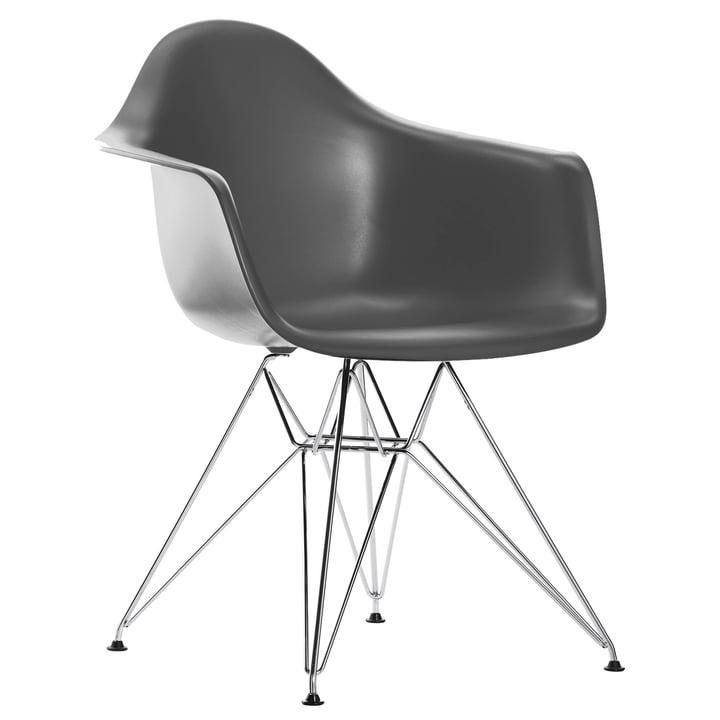 Eames Plastic Armchair DAR von Vitra in verchromt / basalt
