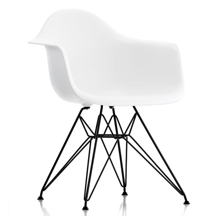 Eames Plastic Armchair DAR von Vitra in basic dark / weiß