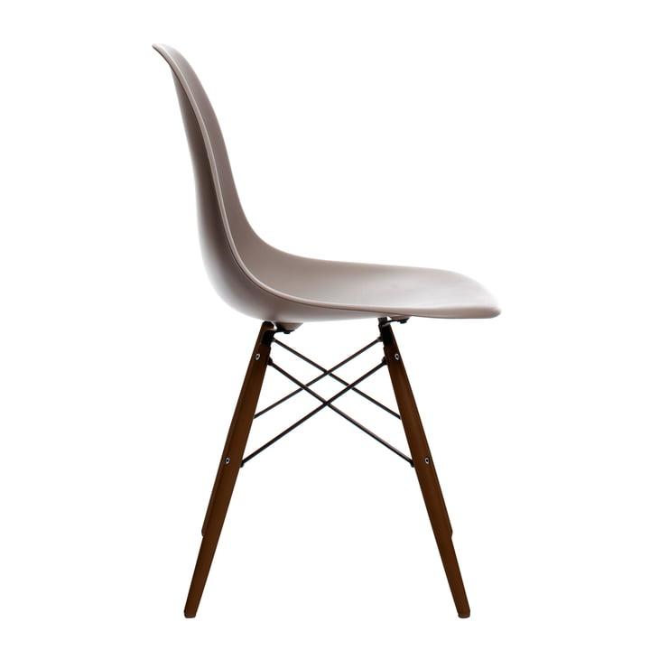 Eames Plastic Side Chair DSW von Vitra in Ahorn dunkel / mauve grau