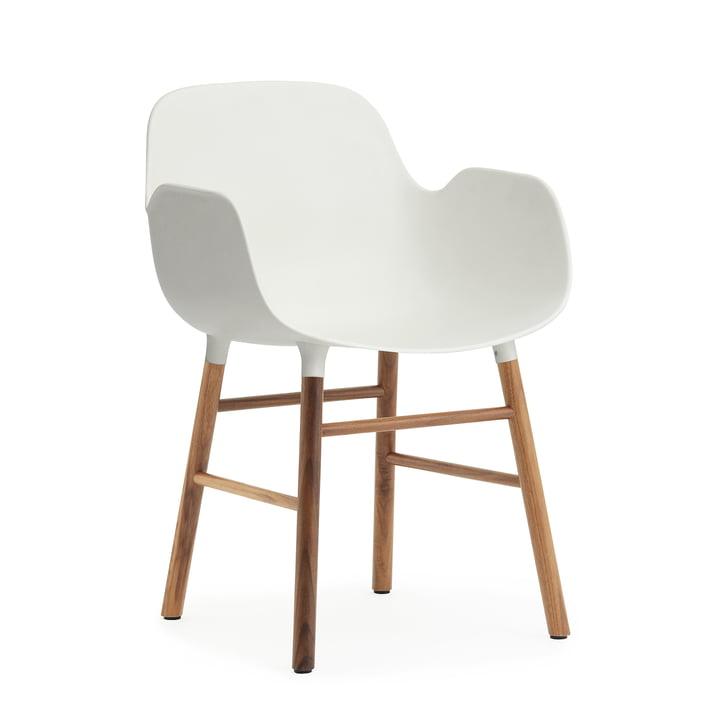Form Armlehnstuhl von Normann Copenhagen in Walnuss / Weiß