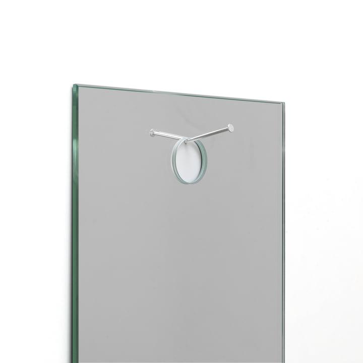 Details - DIN A4 Wandspiegel mit Nagel