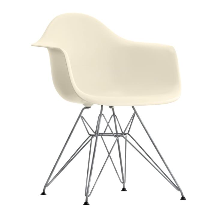 Eames Plastic Armchair DAR von Vitra in verchromt / creme