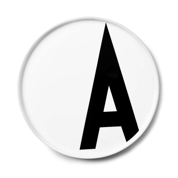 Der AJ Porzellan Teller A von Design Letters
