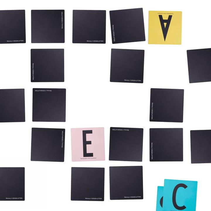 Design Letters - AJ Memory Spiel, ausgebreitet, Hintergrund weiß