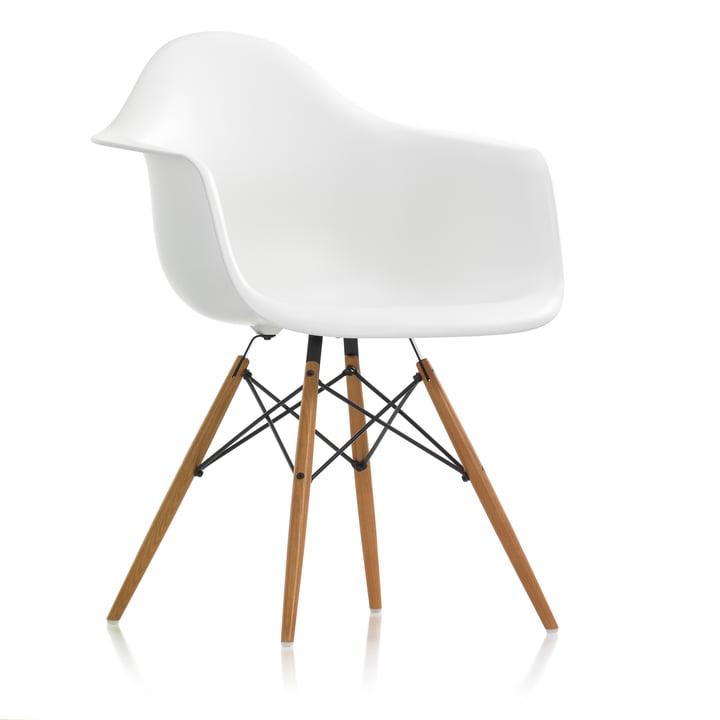 Vitra - Eames Plastic Armchair DAW, Esche honigfarben / weiß