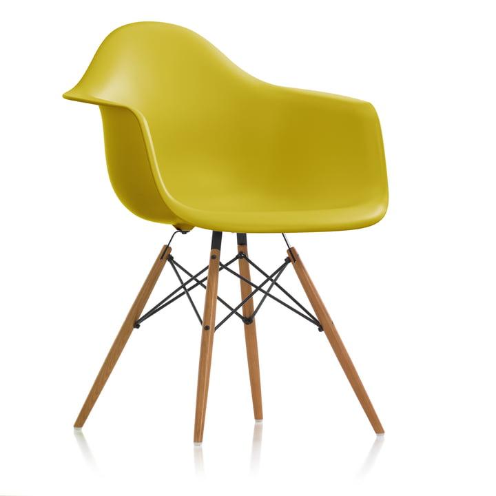 Eames Plastic Armchair DAW (H 43 cm) von Vitra in Esche honigfarben / senf