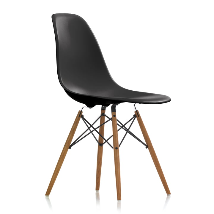 Eames Plastic Side Chair DSW von Vitra in Esche honigfarben / basic dark
