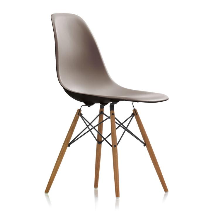 Eames Plastic Side Chair DSW von Vitra in Esche honigfarben / mauve grau