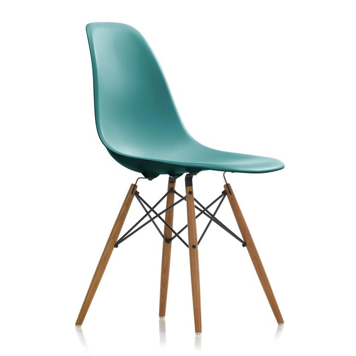 Eames Plastic Side Chair DSW von Vitra in Esche honigfarben / ocean