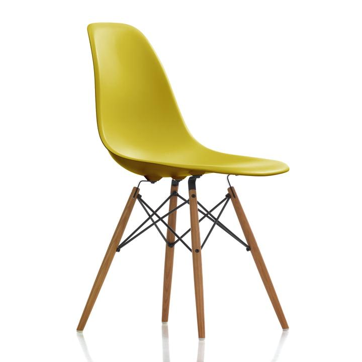 Eames Plastic Side Chair DSW von Vitra in Esche honigfarben / Senf